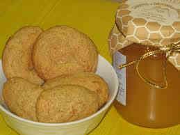 Risultati immagini per amaretti al miele fatti in casa
